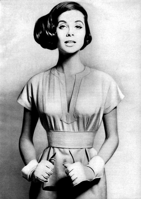 Suzy Parker by Richard Avedon. Harper's Bazaar January 1957...lower waist