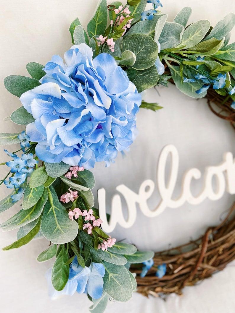 Photo of Begrüßungskranz der blauen Hortensie / Bauernkranz mit blauen und rosa Blüten / Lammohr + Eukalyptuskranz / Frühling oder Alltagskranz