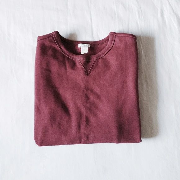 Forever 21 Classic Crew Neck Sweater burgundy • lightweight crew neck • long sleeves • soft knit fabric • boys size 13/14 • new with tags ✨  {no trades} Forever 21 Sweaters Crew & Scoop Necks