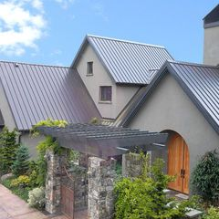 Standing Seam Metal Roof Stucco Homes House Exterior House Roof