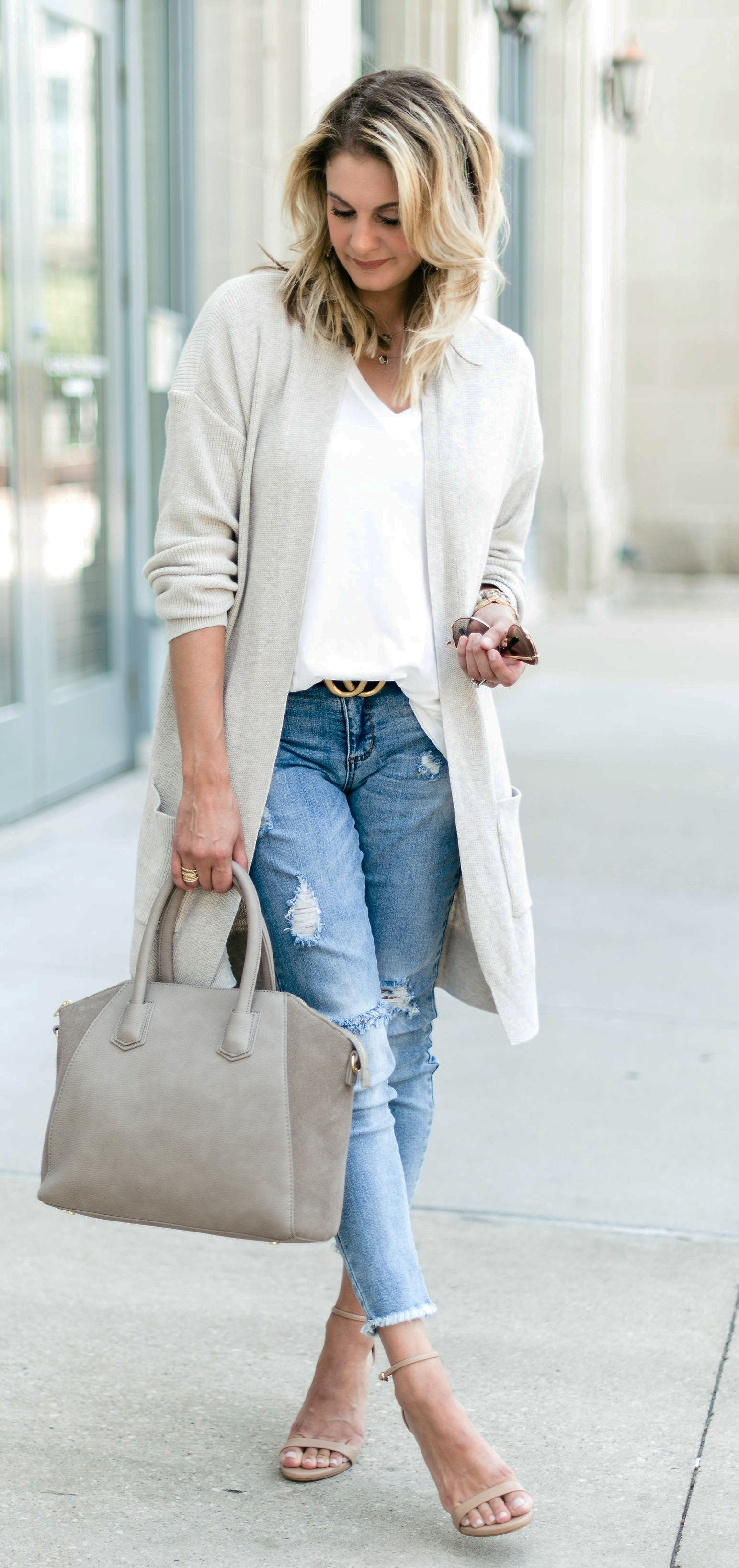 40  Glamorous Fall Outfits To Copy ASAP | White cardigan