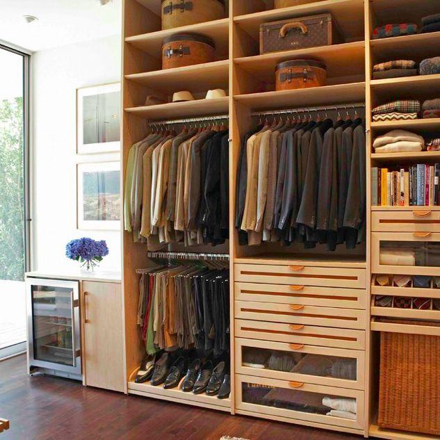 Closet para hombre en madera inspiraci n closets y for Closet de madera para dormitorios