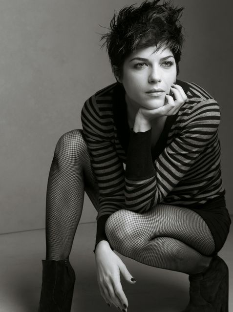 Selma Blair... pixie cut