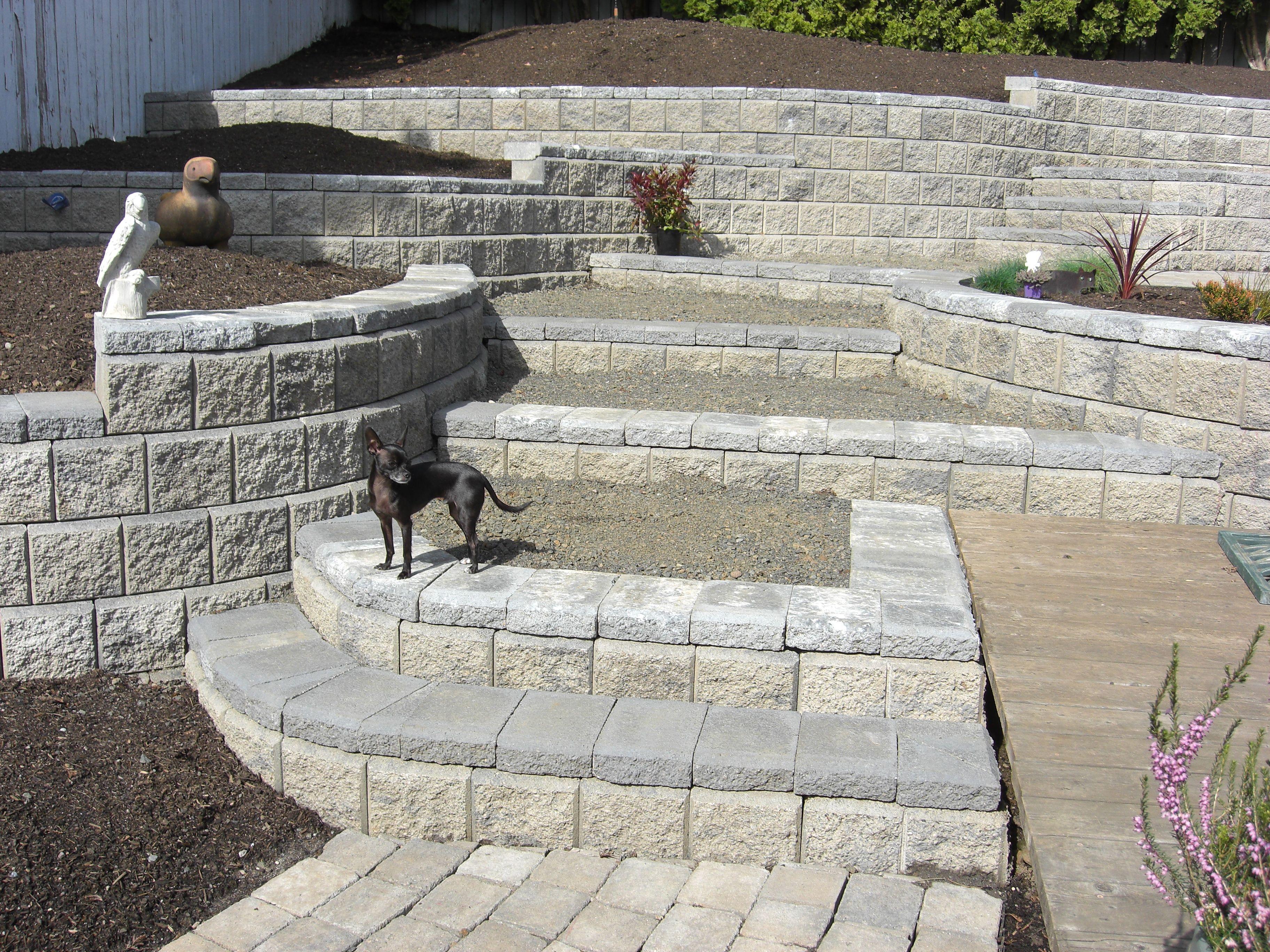 Chic Allen Block Landscape Retaining Wall System Vancouver Wa Retaining Wall Wall Systems Concrete Retaining Walls