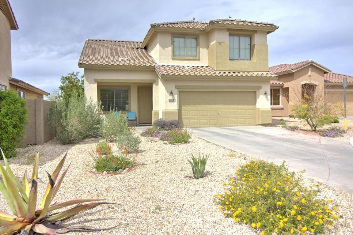Single Family Property For Sale with 4 Beds & 2.5 Baths in