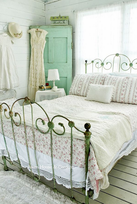 Iron Bedframes Qbee Guest Room Pinterest Iron Bedrooms And Shabby
