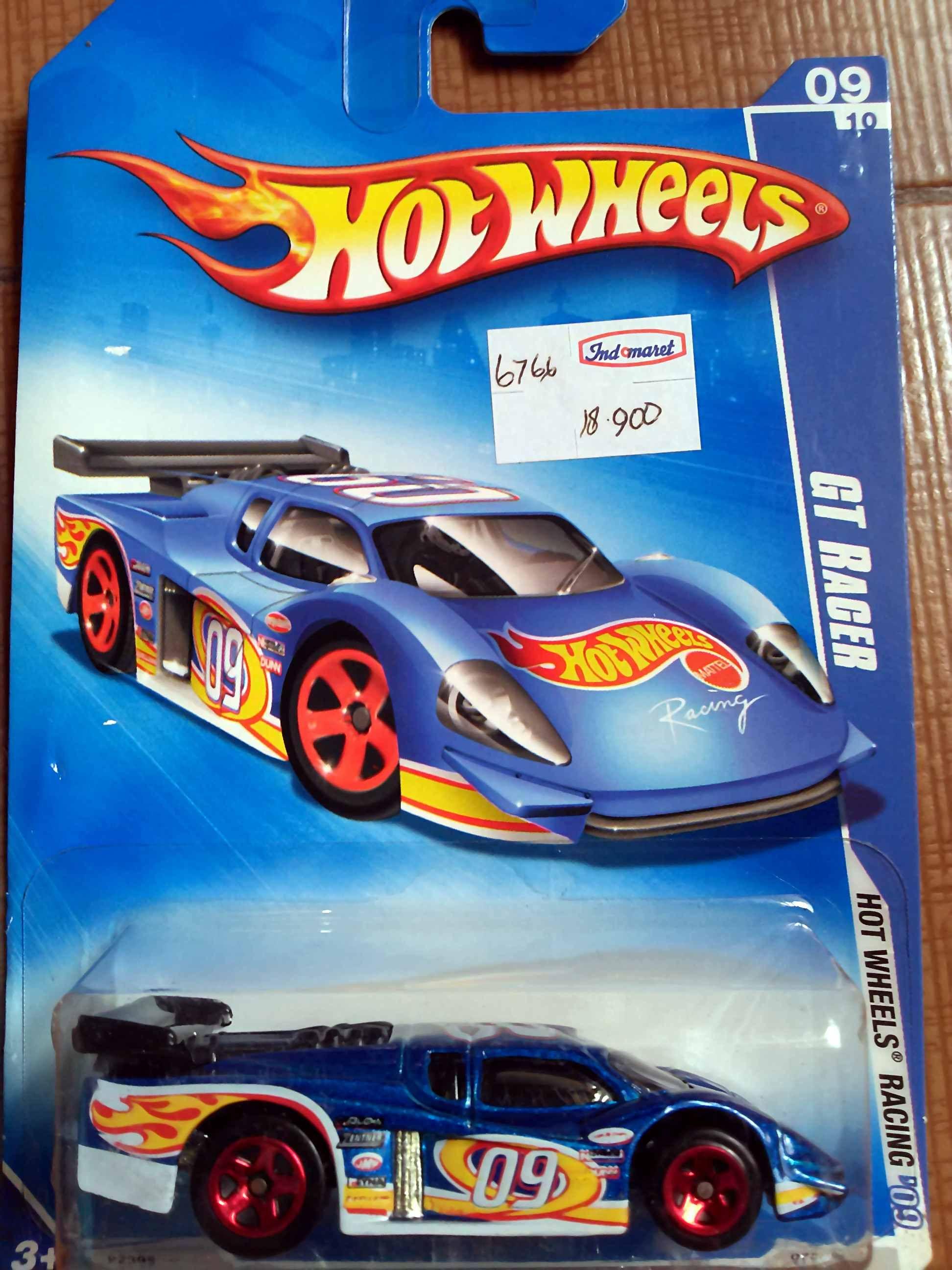 Hotwheels Gt Racer Hot Wheels Hot Wheels Races Hot Wheels Garage