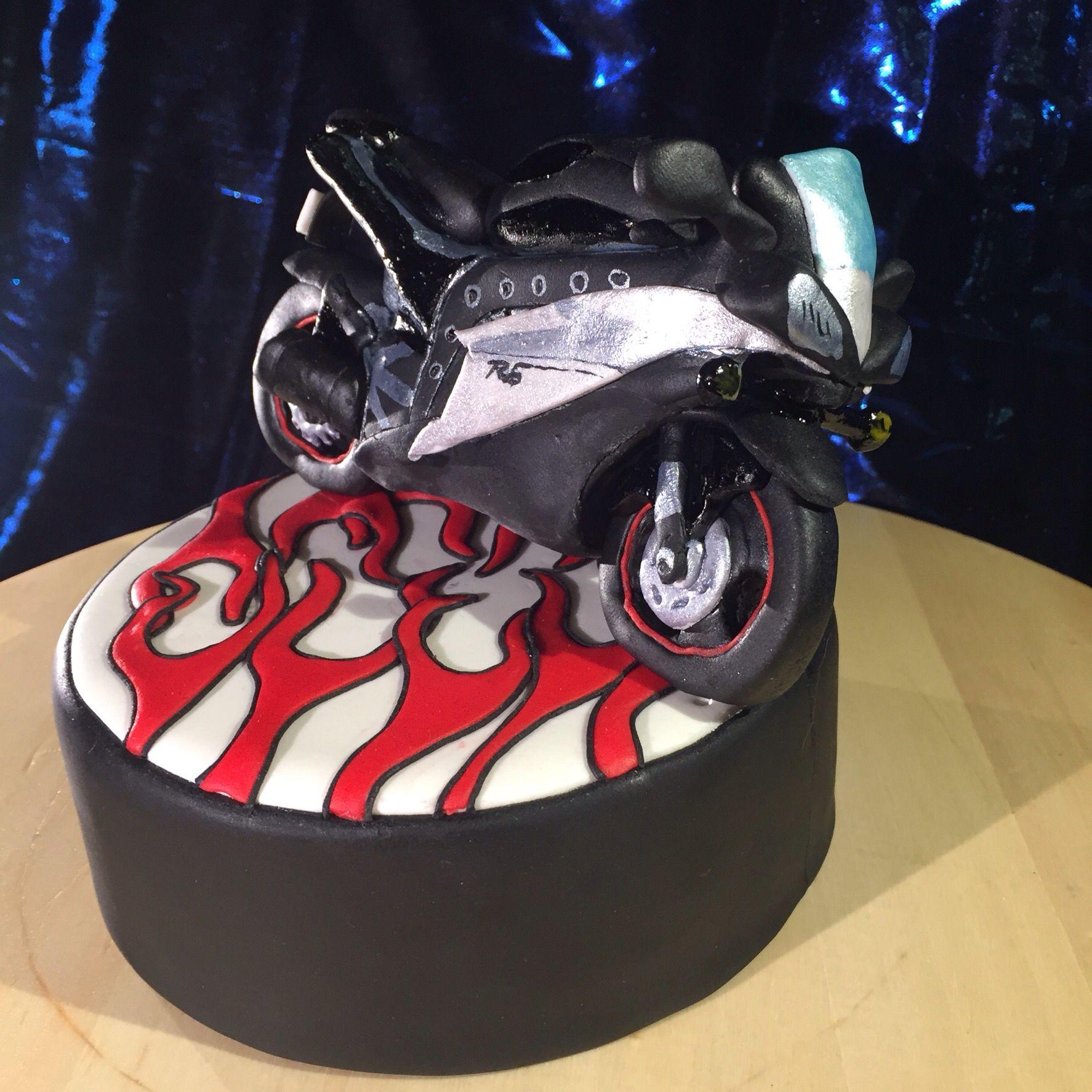 #motorbikecake #yamahar6cake #littleframesmadrid