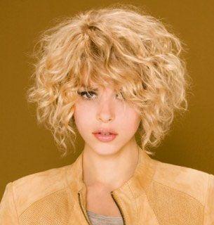 Model coupe de cheveux court femme