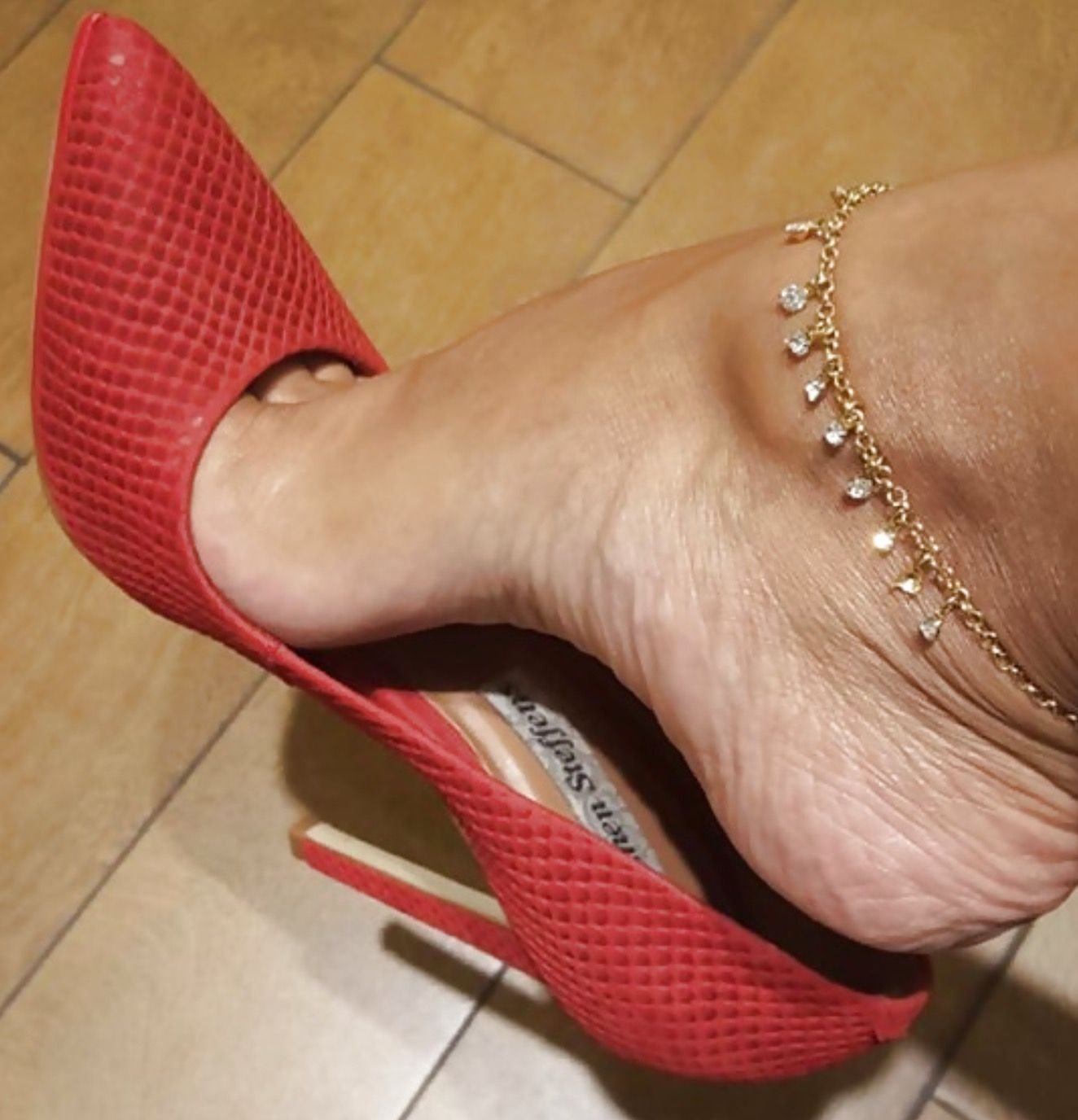 Pin by Thomas Diedrich on Navy | Red pump shoes, Stiletto