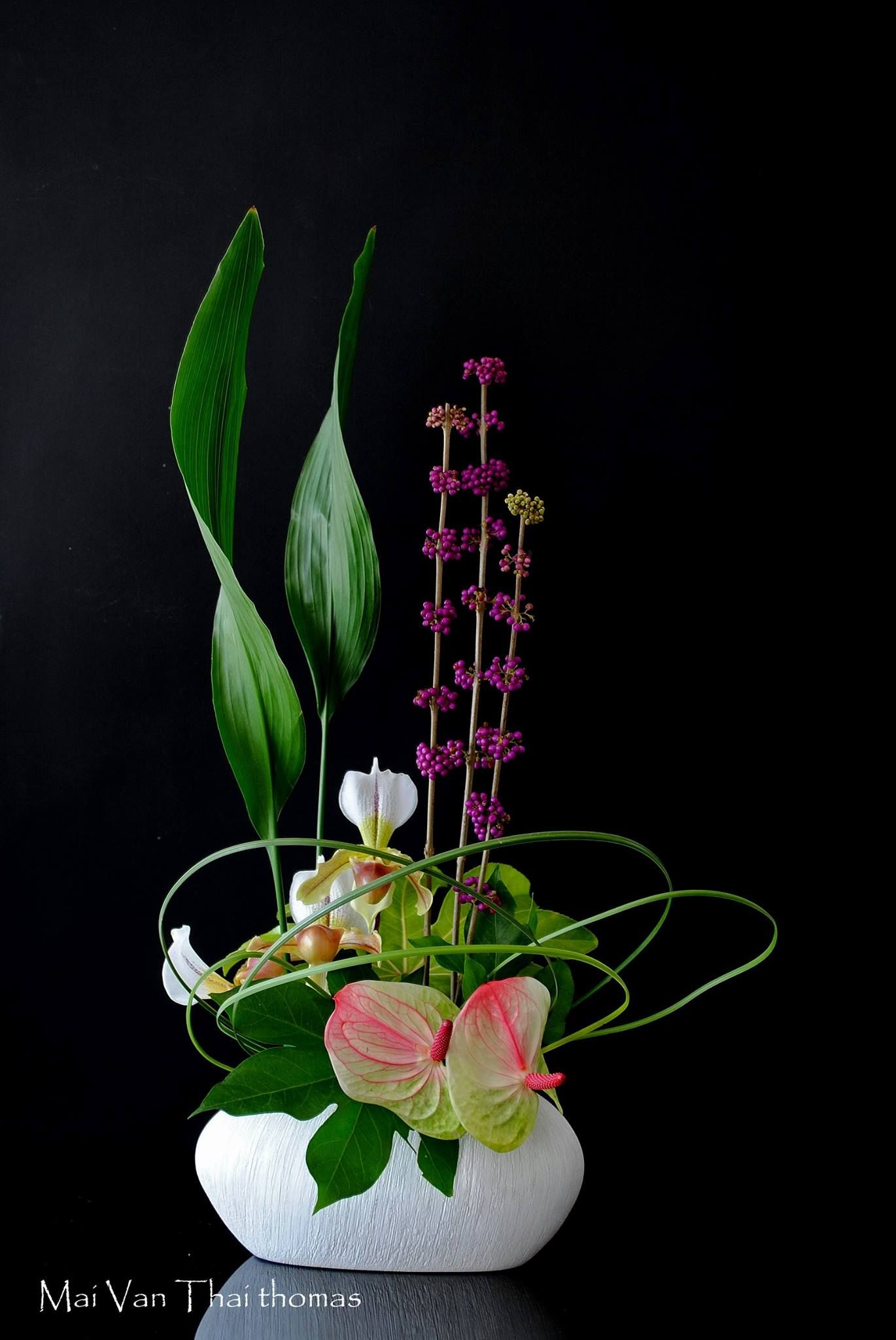 Contemporary Floral Arrangement With Images Ikebana Flower