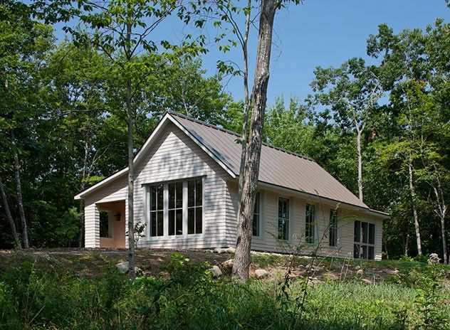 Gologic Llc 1000sf Energy Efficient Prefab Prefab Homes Modern Farmhouse Exterior Small House