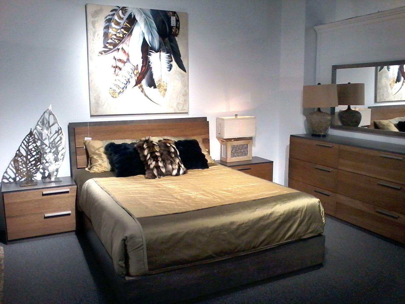 Detente Lit Plumes Bois Dore Jcperreault Mobilier De Salon Decoration Maison Chambre A Coucher