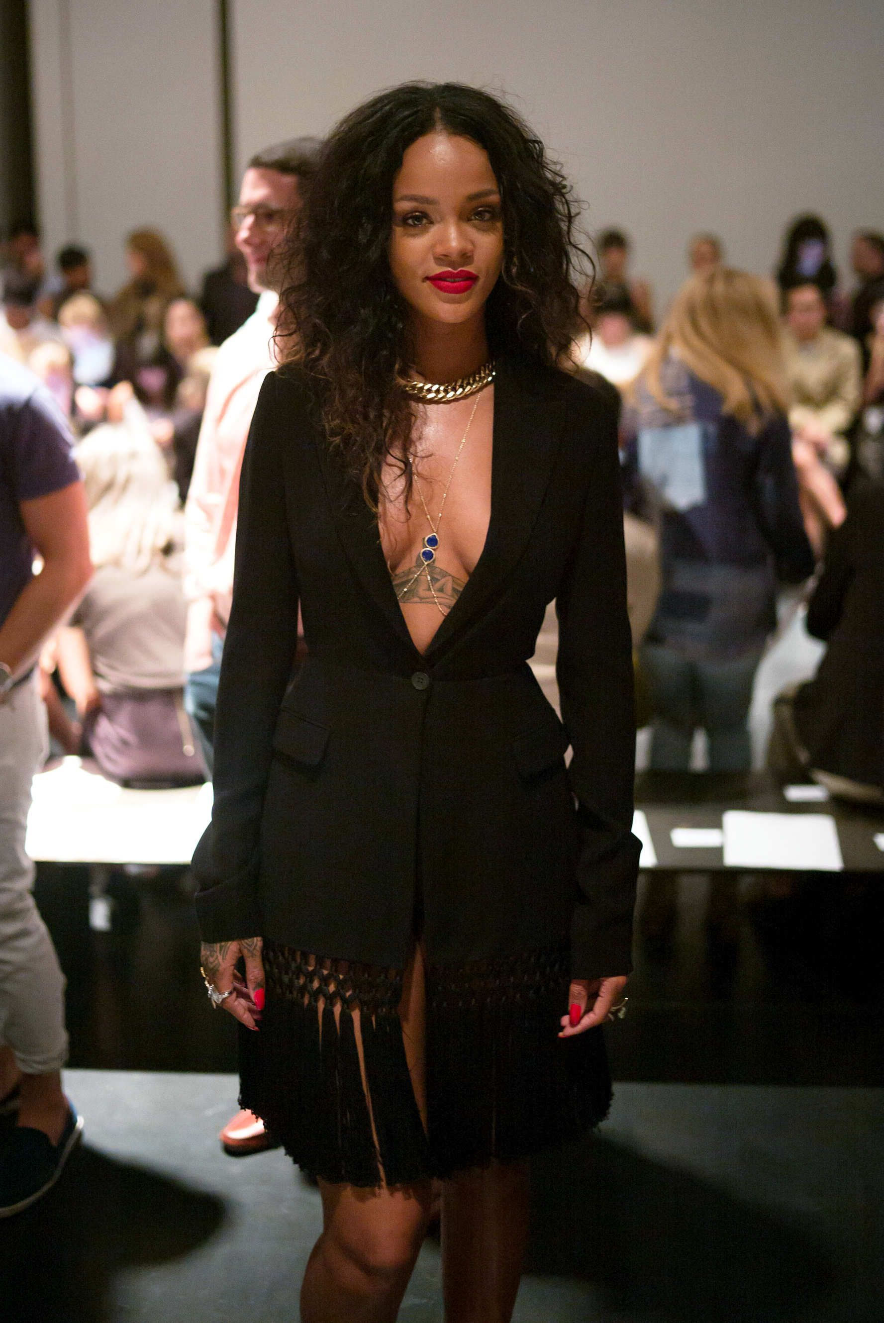 2eb303d96bc1 I would wear some actual clothes underneath it though. hahaha Rihanna Dress