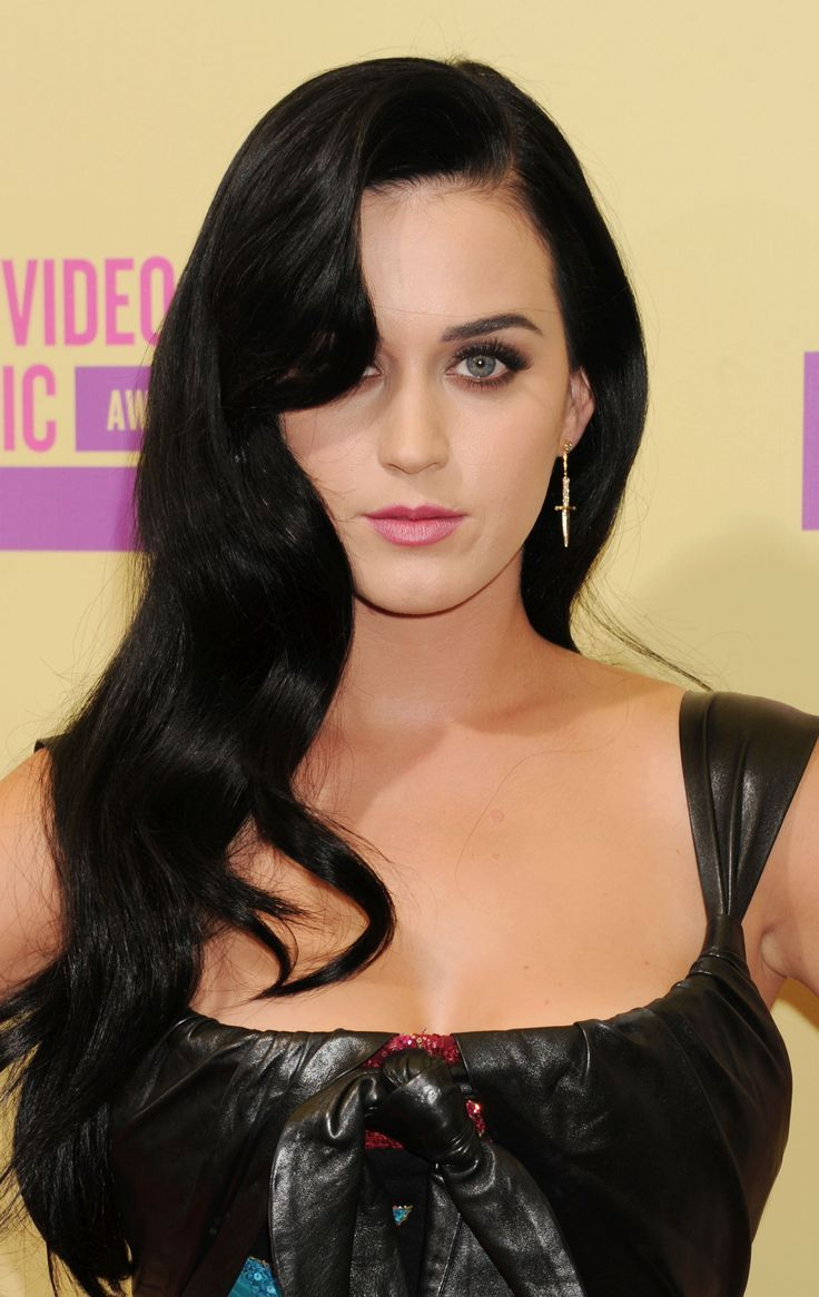 Katy Perry Jet Black Hair Fashion Trends 2017