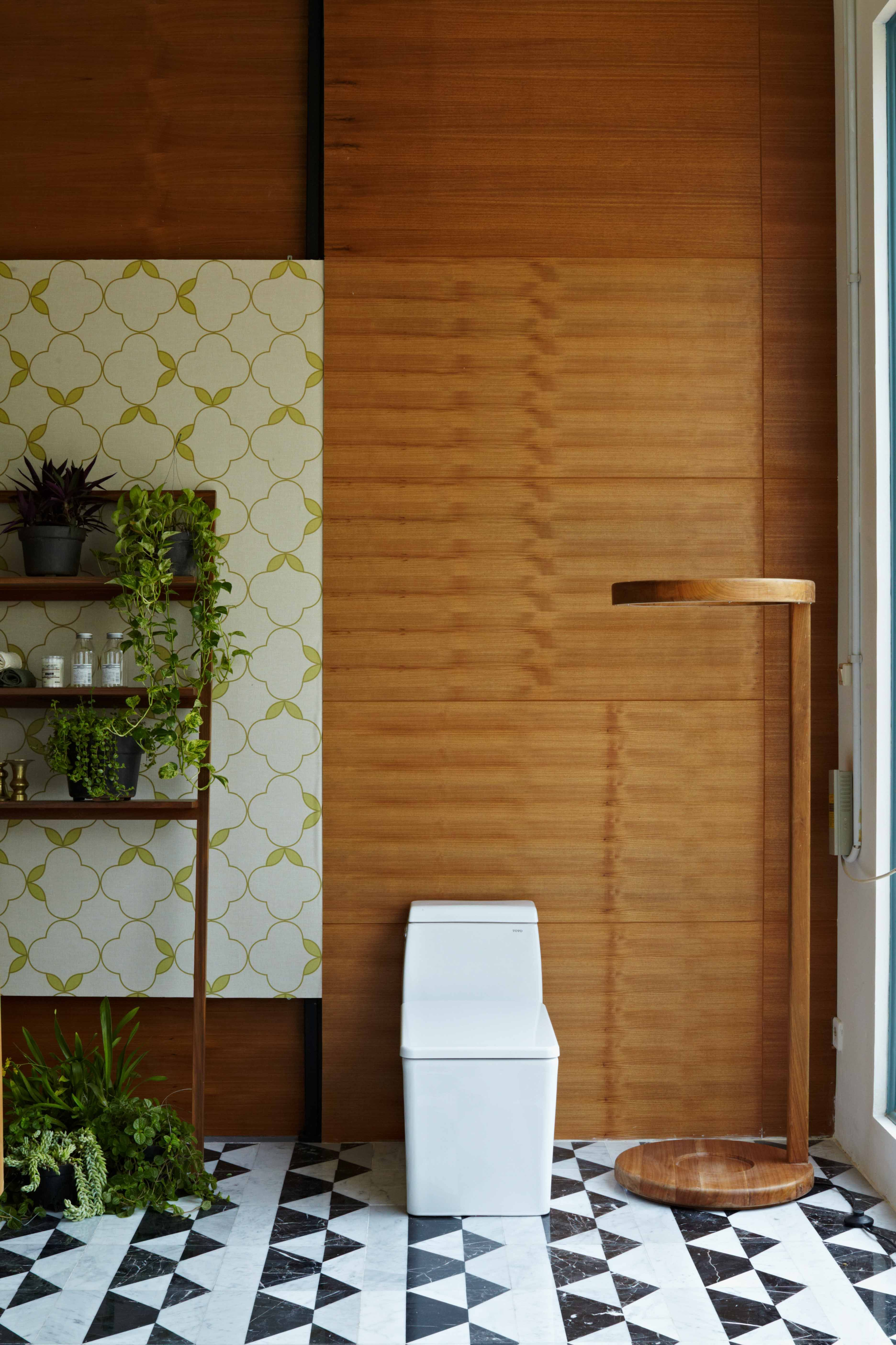 Toja toilet with bespoke marble flooring and alvinT wallpaper | Toto ...