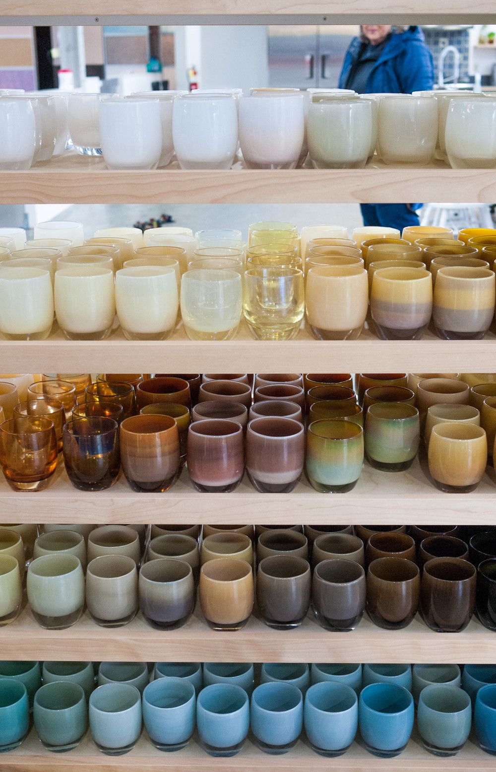 Check out these @glassybaby votives for stunning outdoor table decor. We took a behind-the-scenes tour of their studio. Beautiful stuff!