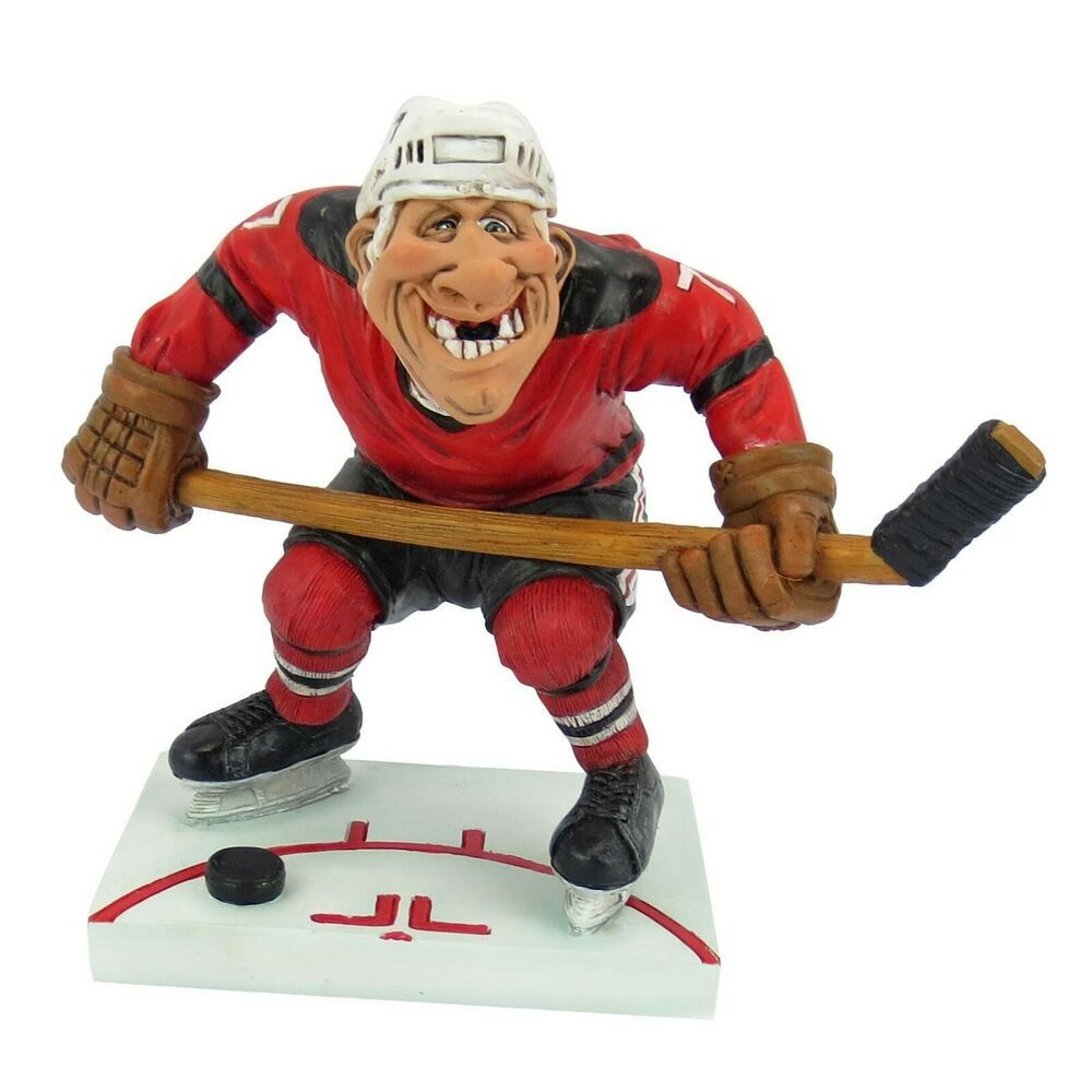 Hockey Player Holds Stick Teeth Knocked Out Figurine Warren Stratford 7 Inches In 2020 Hockey Hockey Players Ice Art