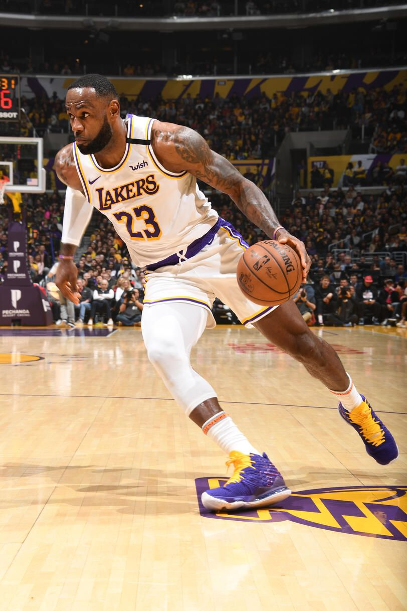 Photos Lakers Vs Pistons 01 05 2020 Los Angeles Lakers In 2020 Lebron James Lakers Nba Lebron James Lakers Vs