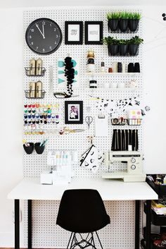 7 Office Organization Ideas To Make Your 9 To 5 A Little Bit Easier