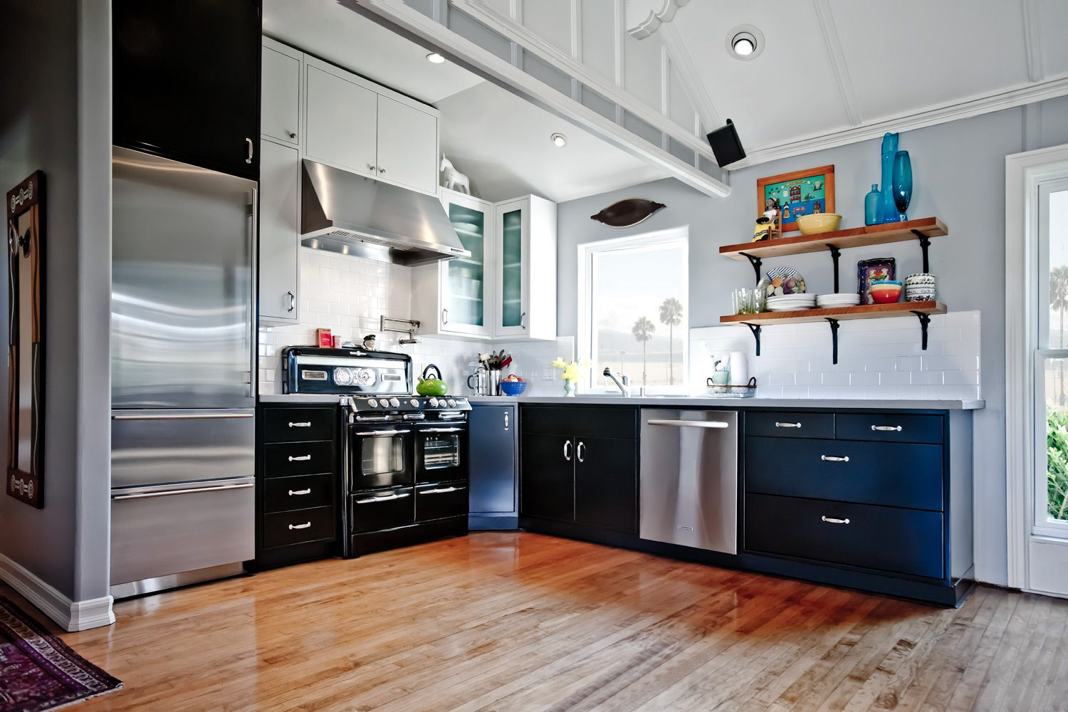 Today We Gathered Some Fresh Stainless Steel Ideas Which Gives Your Kitchen Neat And S Interior Design Kitchen Metal Kitchen Cabinets Kitchen Cabinets For Sale