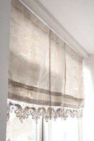 Raamdecoratie, leuk idee om zelf te maken, linnen stof met kant ...
