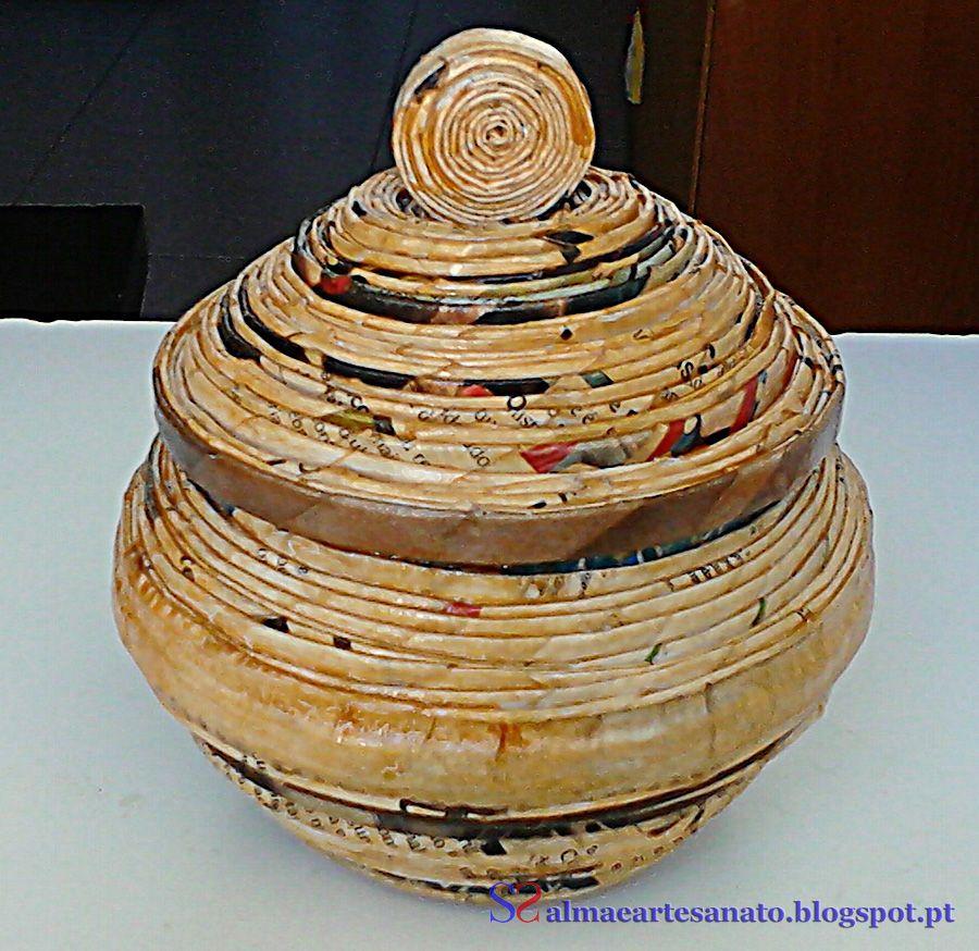 Artesanato Jornal Enrolado ~ Porta jóias (ou o que voc u00ea quiser) feito com jornal reciclado e impermeabilizado Reciclagem