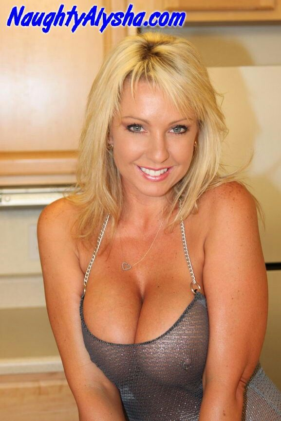 Carolyn bolin nude pictures
