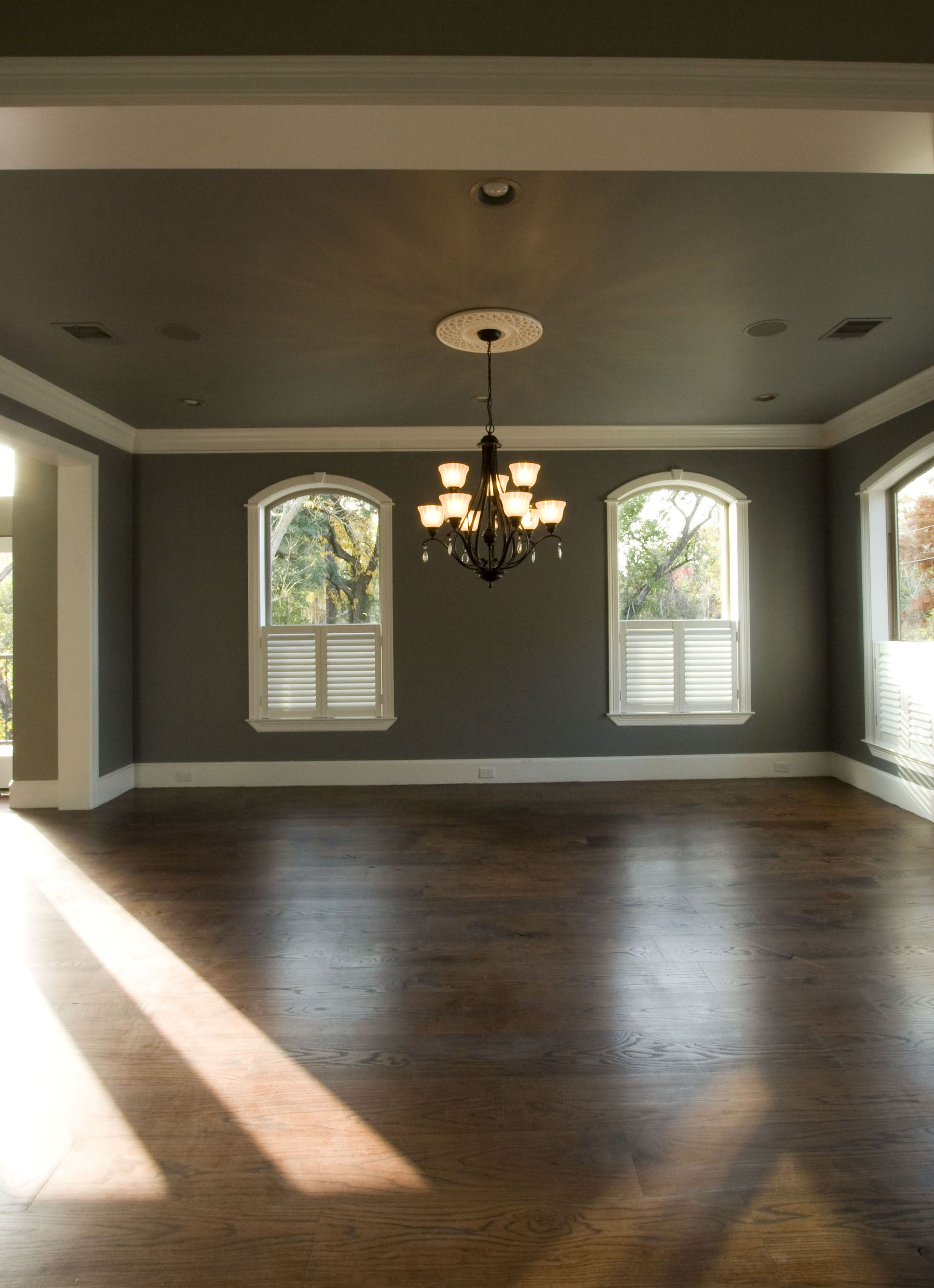 9 Quot Reclaimed Red Oak Flooring With Cool Grey 9 Walls For