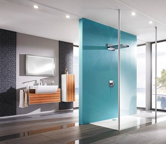 Breng een mooie accentkleur aan in je badkamer   Huis deco ...