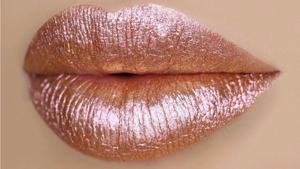If You Ve Spent Any Time On Instagram Lately You Ve Seen This Incredible Rose Gold Glitter Lipstick Rose Gold Lipstick Gold Lipstick Glitter Lipstick