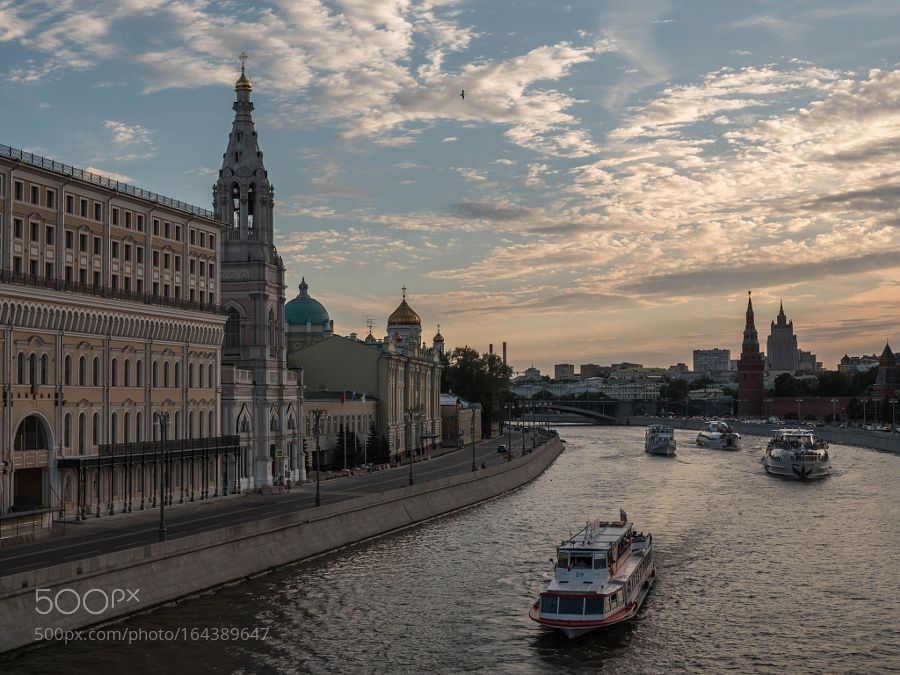 Moscow river at sunset by AlexanderPolomodov #architecture #building #architexture #city #buildings #skyscraper #urban #design #minimal #cities #town #street #art #arts #architecturelovers #abstract #photooftheday #amazing #picoftheday