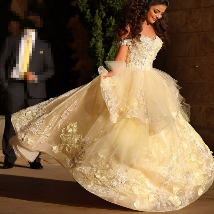 Beauty And The Beast Inspired Wedding Dress: BEAUTY AND THE BEAST DISNEY THEMED WEDDING