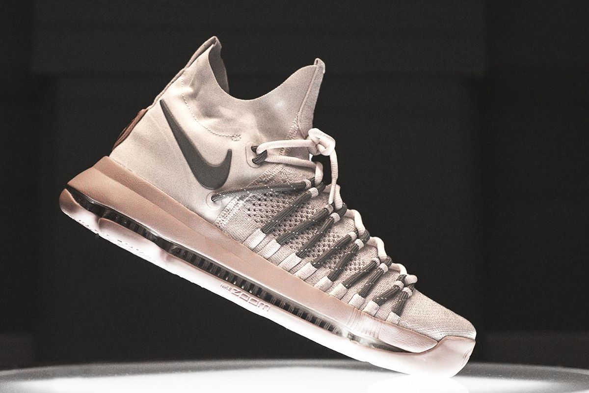 best loved d39f0 61328 Kevin Durant s Elite update of his signature Nike Zoom KD 9 just debuted in  a colorway for the 2017 NCAAA college basketball tournament.