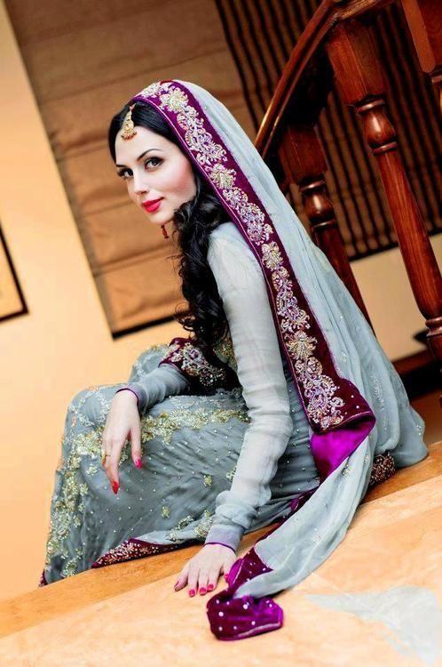 Indian Hindi Wedding Bridal Fashion With Jewelry