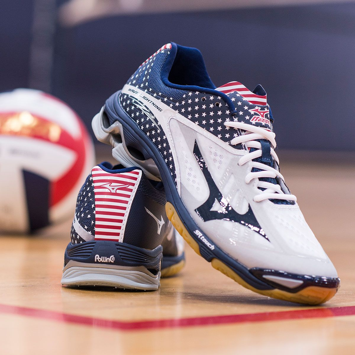 Rep Your Country And Dominate The Court In The Shoes Of The Elite Mizuno Wave Lightning Z2 Stars And Volleyball Shoes Volleyball Sneakers Mizuno Volleyball