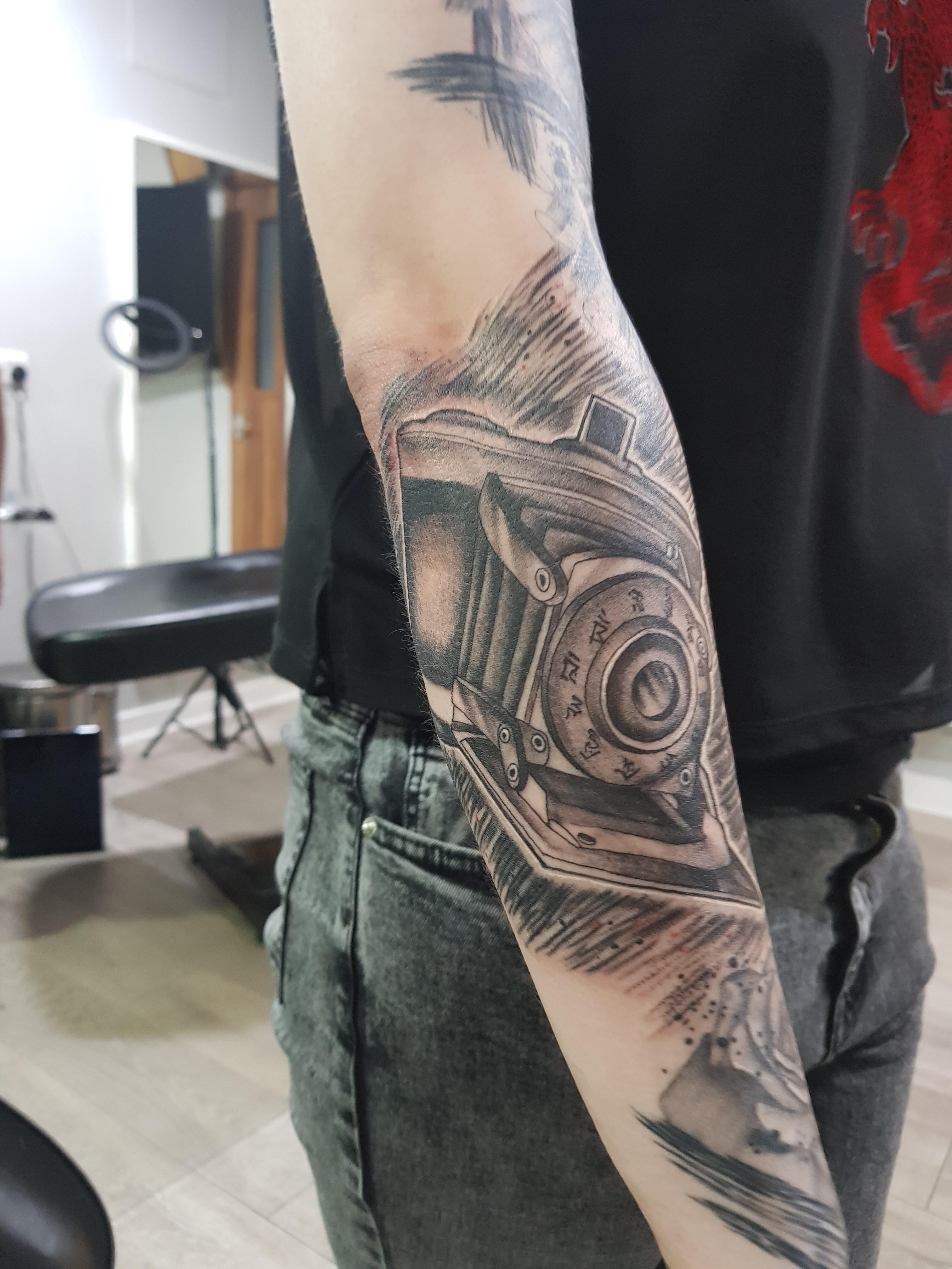 Bit Of A Niche One Camera Obscura From Fatal Frame 2 Done By Tattoosbyblakeman In Birmingham Uk I M O B S E S S E D Already In 2020 Fatal Frame Camera Obscura Prison Tattoos