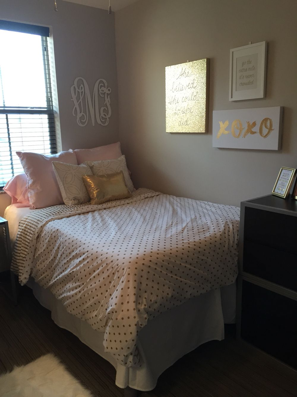 Dorm Room Layouts: University Of Kentucky Dorm Room With PBteen Sheets