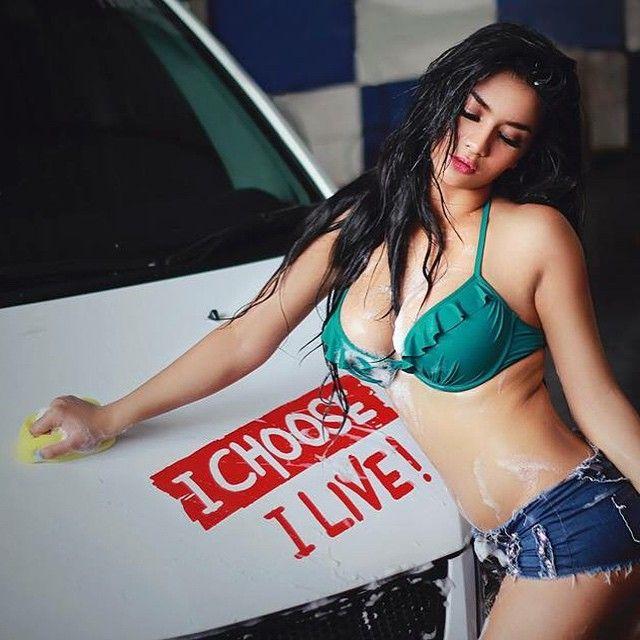Car Wash Babes Siva Aprilia Part  Diplomat Mild Galeri Photo Hot Indonesian Photoshoot Model
