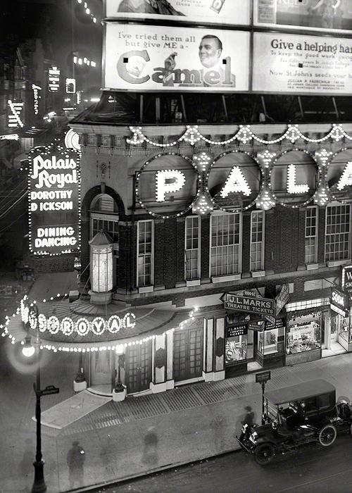Palais Royal New York City, 1920 roaring twenties