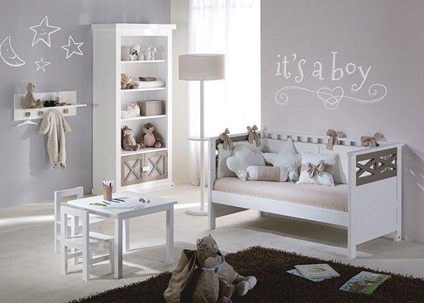 Habitación infantil con cuna librero y mesa de juegos   Novedades de ...