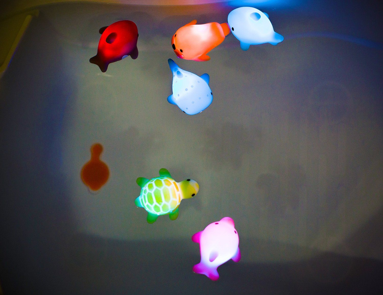 Amazon.com: Rittle Sea Animals, Cute Floating Light-up Bath Toys ...