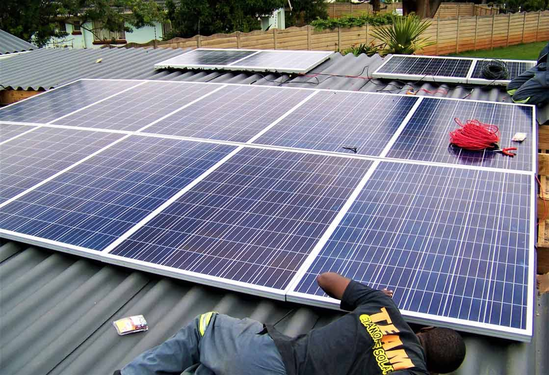 Sunlife Solar In 2020 Solar Panels Solar Panel Companies Solar Thermal Panels