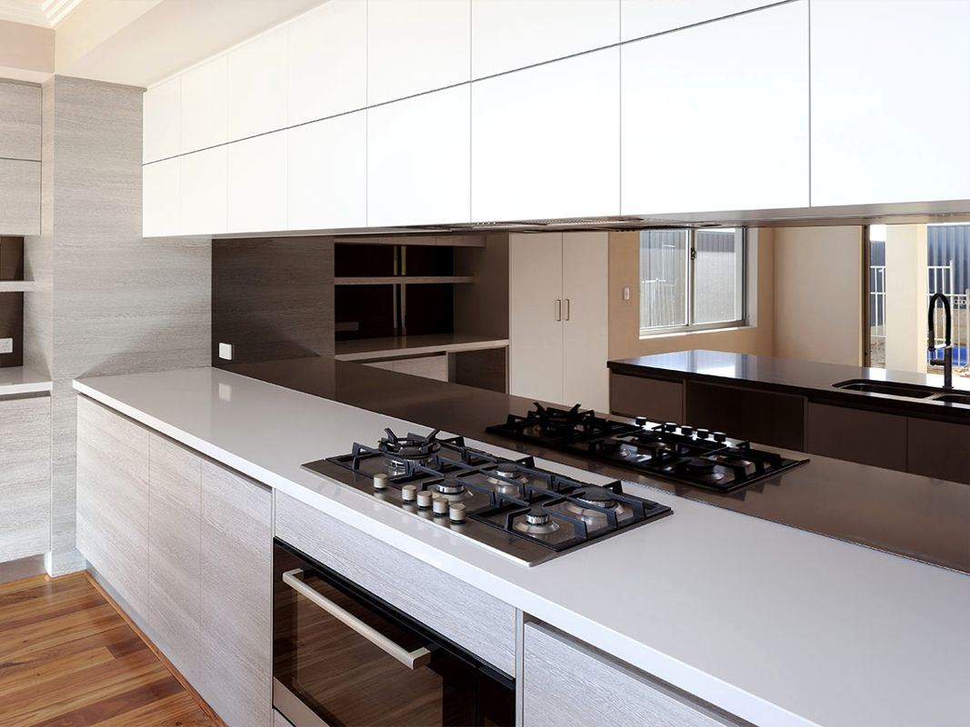 Mirrored Kitchen Splashback | UK Coloured Glass Splashbacks #kitchensplashbacks