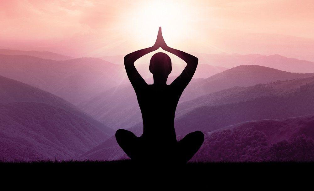Ciò che tutti i meditatori condividono - sia che essi contino i respiri o cantino un mantra - è l'aspettativa che la meditazione li faccia sentire meglio