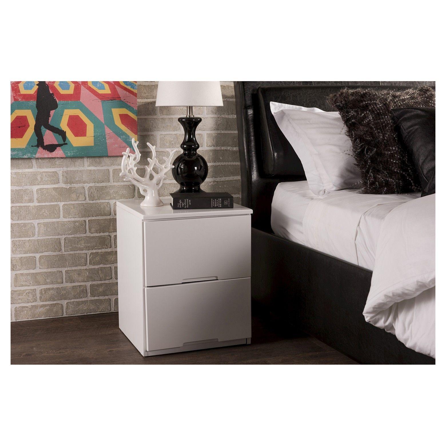 The Washington 2drawer white nightstand will create a