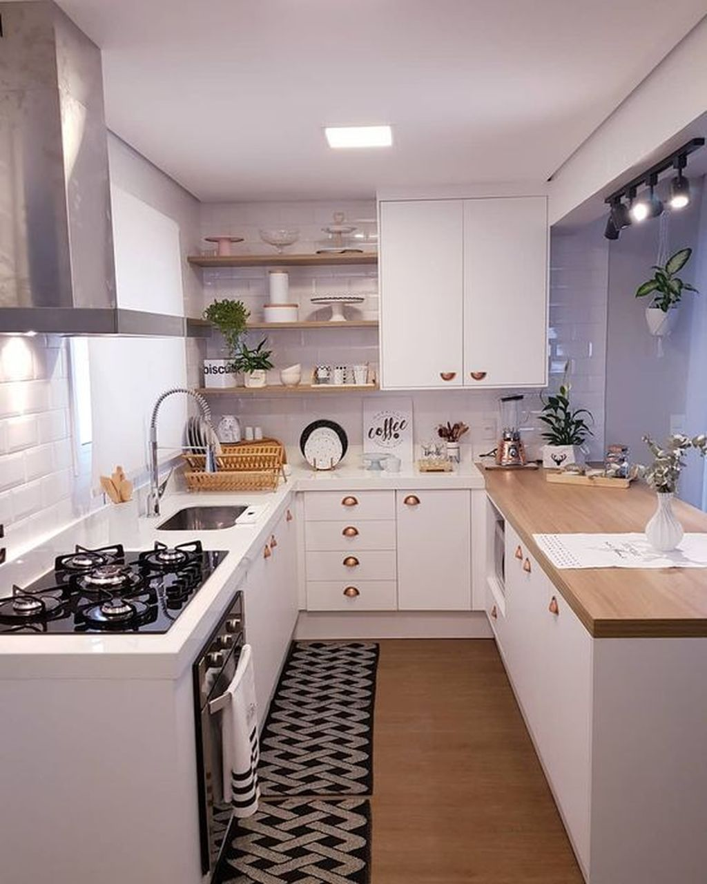 33 amazing u shaped kitchen design ideas you should copy in 2020 small apartment kitchen on u kitchen remodel id=75480