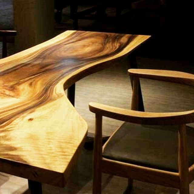 Swirl along to the natural curves and grains of the American Black Walnut dining table.  (Pictured: Henk Table www.etchandbolts.... ) #interiordesign #Scandinavian#homedecor #livingroomdesign #apartment #liveedge #singapore #furniturecustomisation #customisation #woodslab #walnut #americanwalnut #blackwalnut #bench #diningtable #centerpiece #singaporedesign  #furnituredesign #interiordesign #singapore #furniture