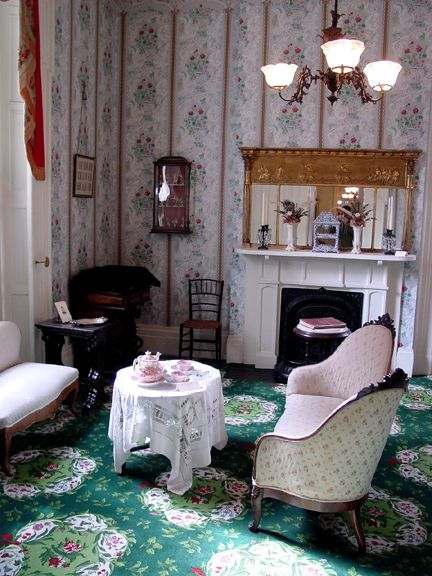 4414 10 kelton sitting room medallion wilton carpet c 1844 at kelton house