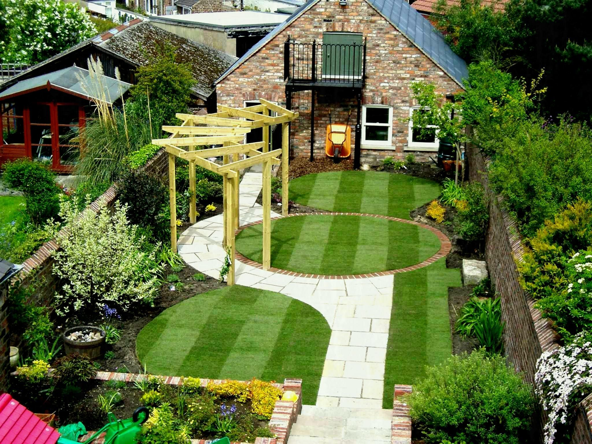 9d922fb75966b422084d16d4771f9ec4 - Pictures Of Beautiful Gardens For Small Homes